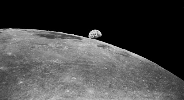 Luna in relatie cu Saturn Sursa: thebigblogtheory.wordpress.com