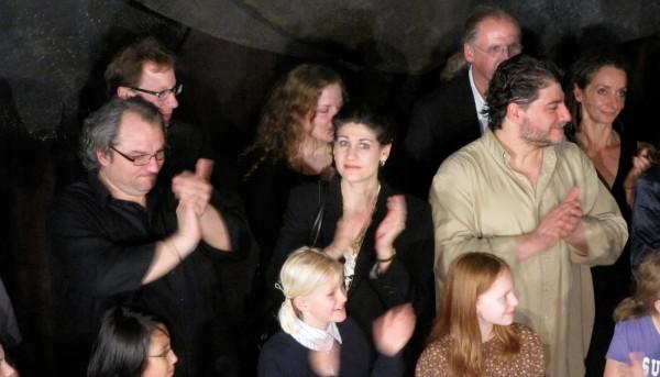 Aplauze Sursa: opera-cake.blogspot.com