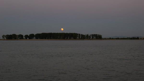 Eclipsa Sursa: inromaniasepoate.blogspot.com