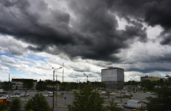 Furtuna Sursa: makaweyus.blogspot.com