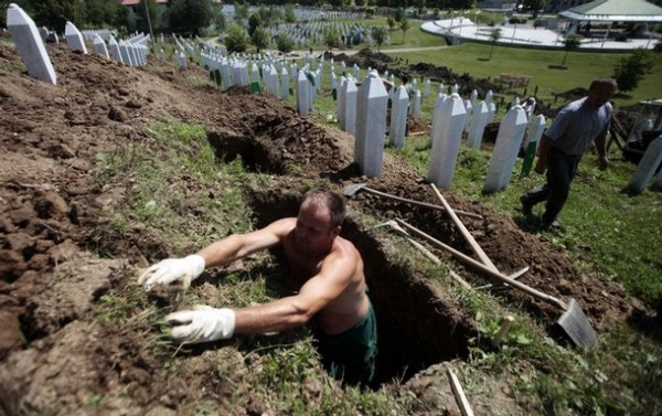 Gropar Sursa: srebrenica-genocide.blogspot.com