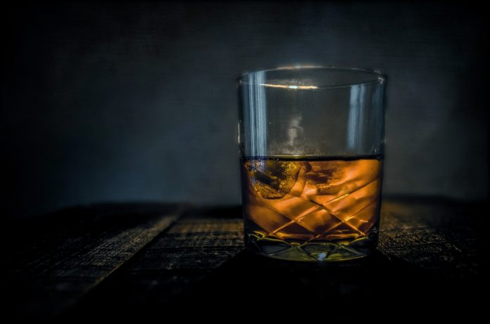 Interpretare vis in care apare Whiskey