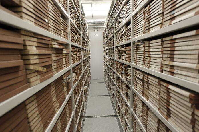 Interpretare vis in care apare o arhiva