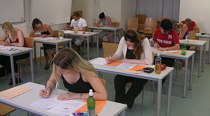 Interpretare vis in care apare un examen