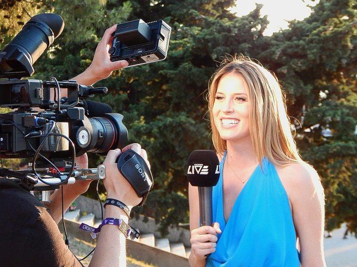 Interpretare vis in care apare un jurnalist