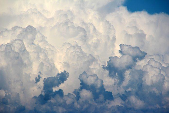 Interpretare vis in care apare un nor