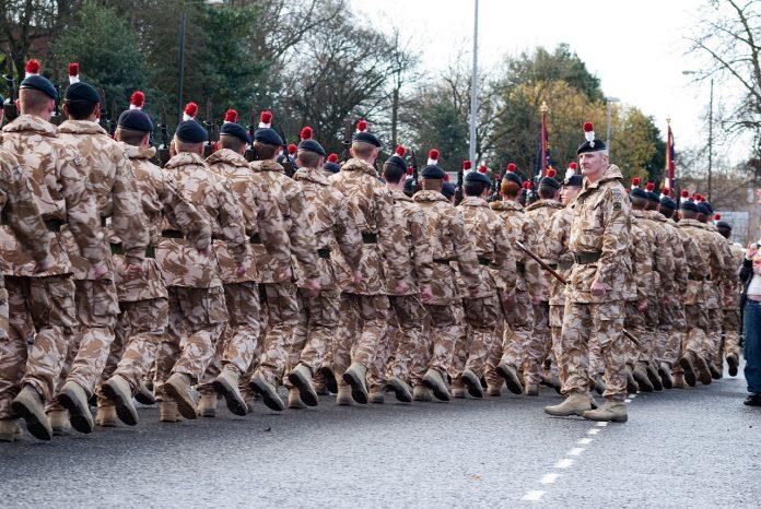 Interpretare vis in care apare un regiment
