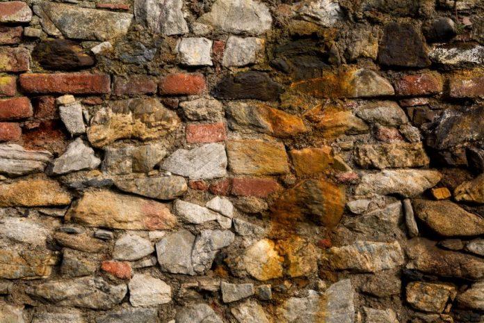 Interpretare vis in care apare un zid