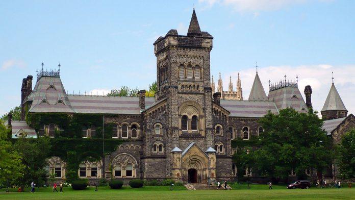 Interpretare vis in care apare universitate