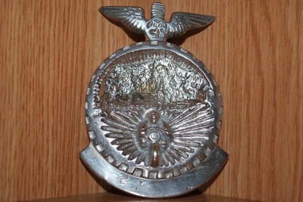 O emblema Sursa: automobilia-romania.blogspot.com