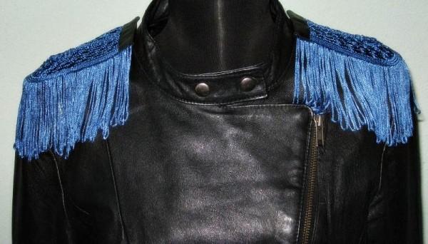 O jacheta Sursa: dulapulbunicii.blogspot.com
