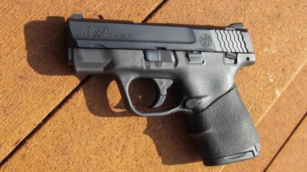 Pistol Sursa: mousegunaddict.blogspot.com