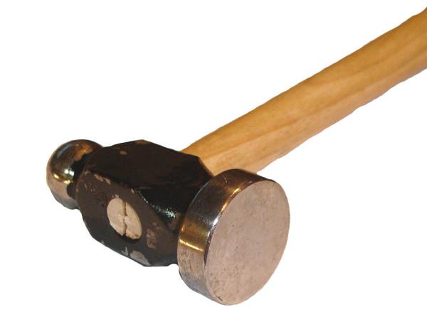 Un ciocan Sursa: banadesigns.blogspot.com
