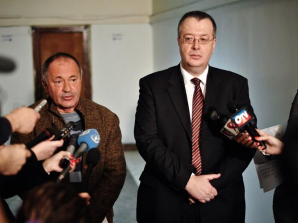 Un jurnalist Sursa: investigatiilacheie.blogspot.com