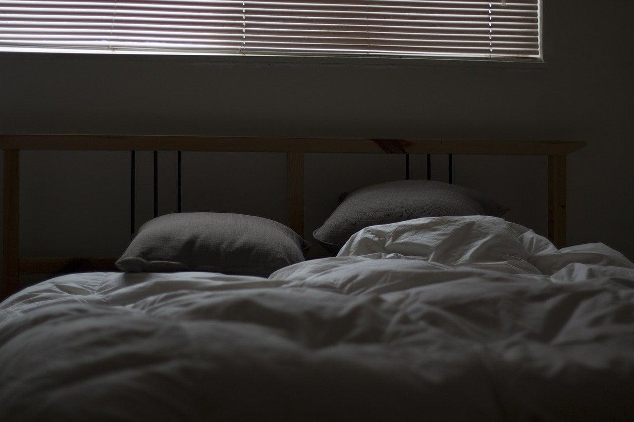 asternut pe pat