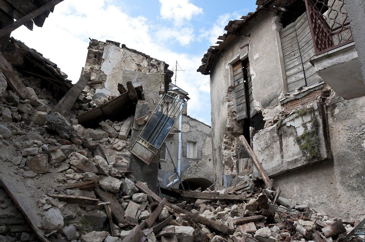 imagini de dupa cutremur