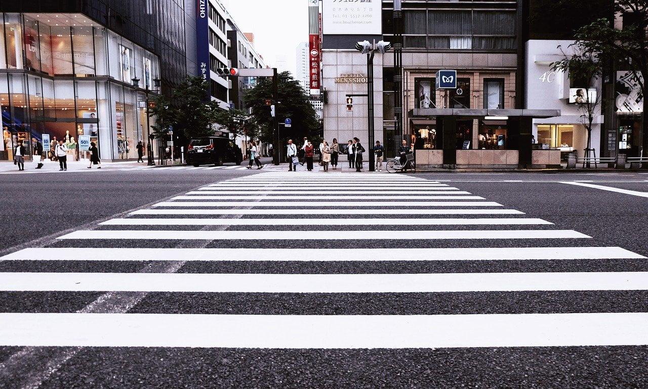 traversare zebra