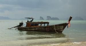 Un port Sursa: mugurpaunphoto.blogspot.com