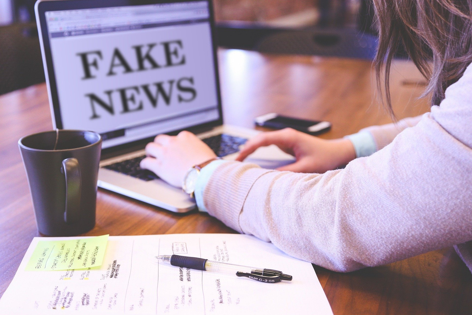 propaganda de fake news