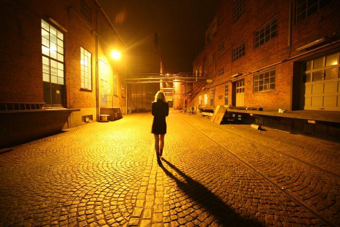 Interpretare vis in care esti intr-un oras noaptea si nu ajungi la adresa dorita