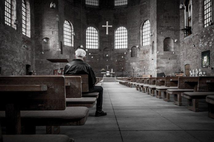 Interpretare vis in care iti faci cruce in biserica