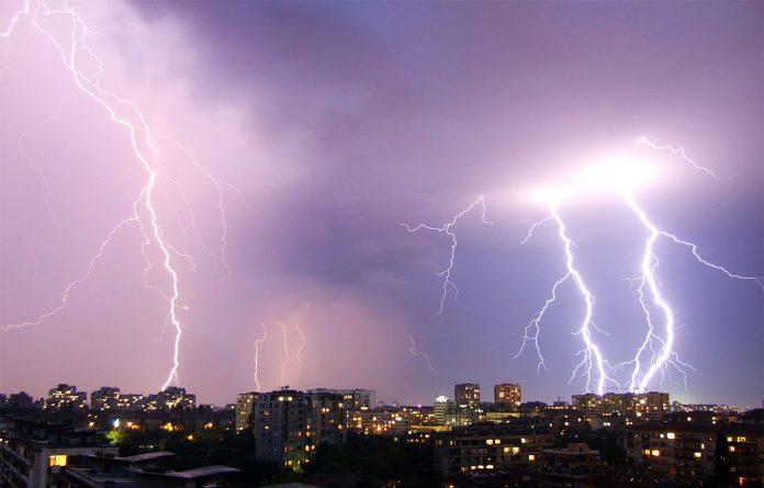 Interpretare vis in care vezi furtuna cu fulgere si tunete