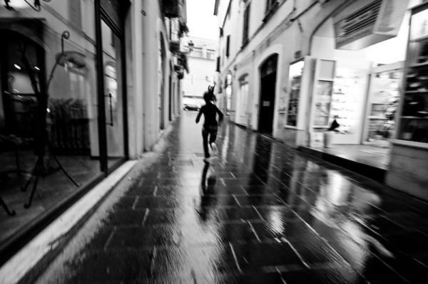 Fugind de cineva, Foto: rock.rapgenius.com