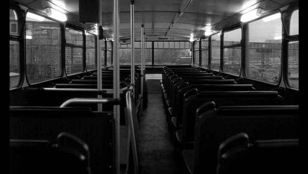 Autobuz gol, Foto: letsnottalkaboutmovies.blogspot.ro