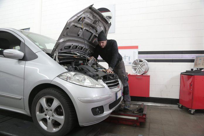 Interpretare vis in care repari o masina sau un utilaj