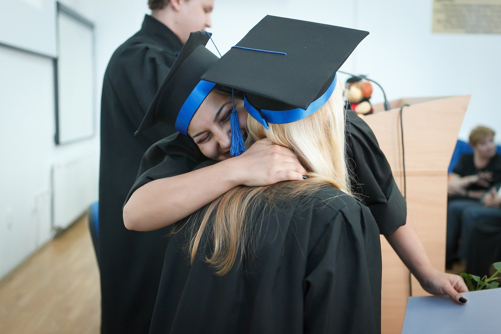 scoala te ajuta in cariera