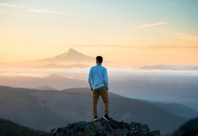 Interpretare vis in care esti pe varful unui munte