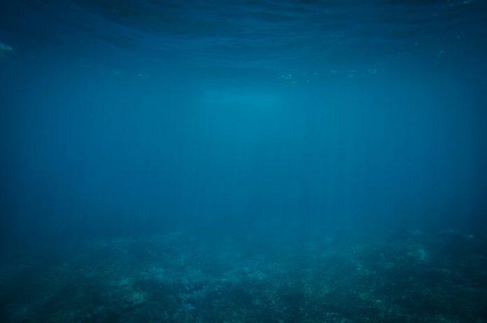 Interpretare vis in care apar ape foarte adanci
