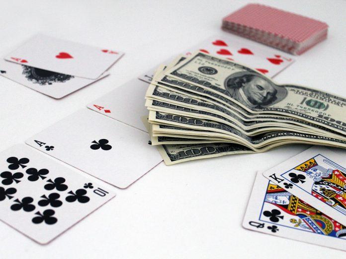 Interpretare vis in care joci la pariuri, pierzi toti banii si esti disperat