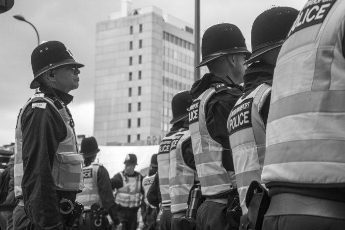 Interpretare vis in care este plin de politie si jandarmi